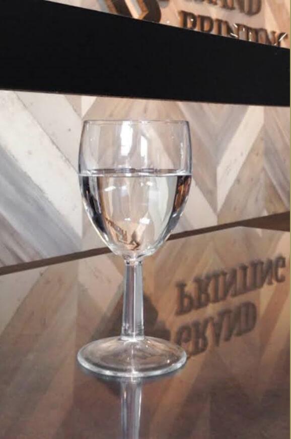 グラスのサーブも可能